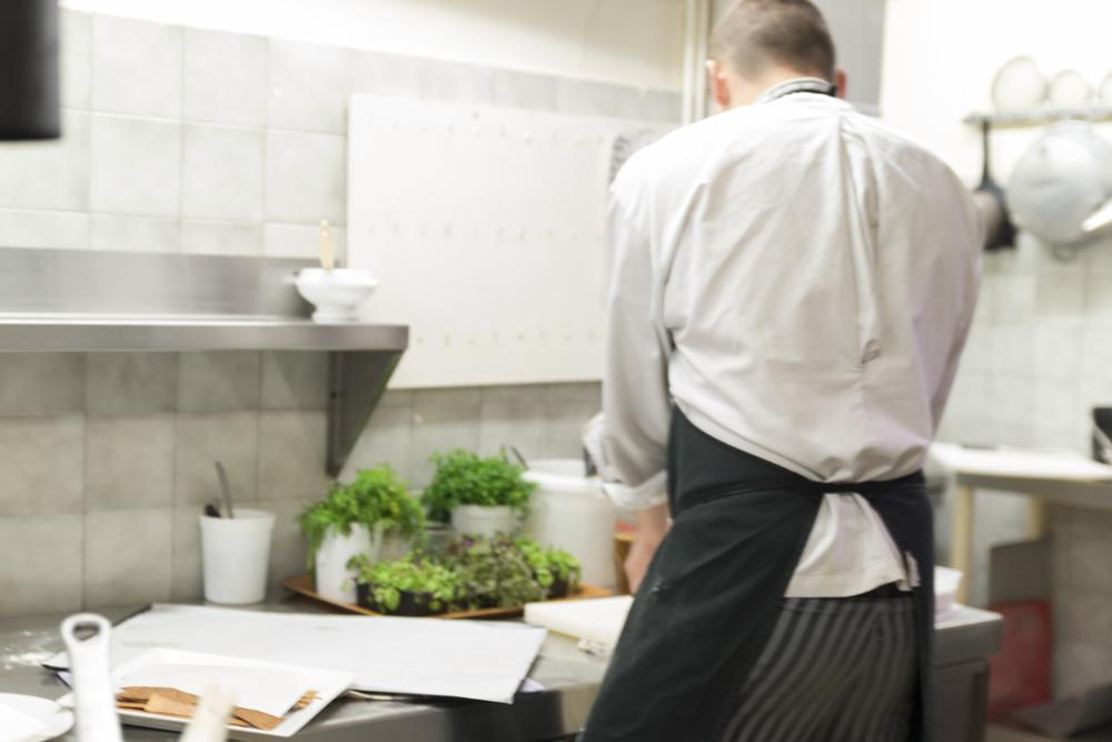 Les cuisines d'un restaurant à Clermont-Ferrand
