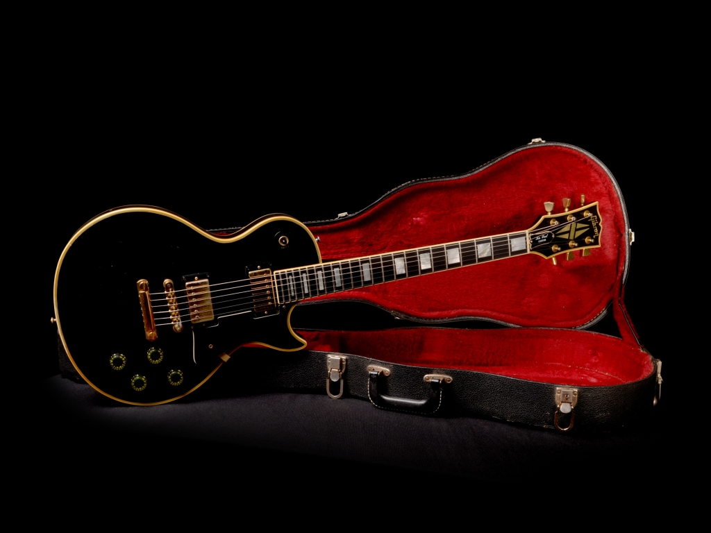 Sonic Red guitare Gibson noire